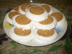Biscoito maizena recheado com maria-mole - Receitas da Rede