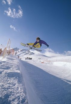Take a meander through the archives of snowboard history with one of the original, legendary snowboard photographers, Trevor Graves. Ski Sport, Snow Holidays, Riders On The Storm, X Games, Vintage Ski, Image Makers, Snow Scenes, Burton Snowboards, Extreme Sports
