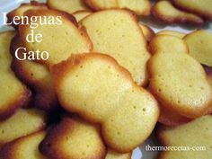 Prepara Lenguas de gato con la Thermomix. Receta paso a paso. #recetas #postres  #thermomix Bakery Recipes, Cookie Recipes, Dessert Recipes, Chilean Recipes, Thermomix Desserts, Cookie Time, Cakes And More, I Foods, Yummy Treats