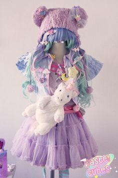 Love the bear ears lolita Estilo Goth Pastel, Pastel Goth Fashion, Kawaii Fashion, Lolita Fashion, Cute Fashion, Fashion Pants, Fashion Styles, Japanese Street Fashion, Tokyo Fashion