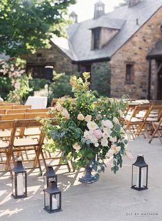5 Mistakes Brides Make When Choosing Wedding Flowers