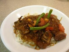 Sapasui (Samoan Chop Suey) Recipe posted by Lynn on Samoa Mo Samoa https://www.facebook.com/SamoaMoSamoa Ingredients: 250 g vermicelli they are also called cellophane (found in the asian section of your supermarket) 2 tablespoons oil 1 large onion, diced 2 -4 garlic cloves, crushed (or a good tablespoon of the prepared garlic in a jar) 1 tablespoon of fresh grated ginger root (or 1T. of ginger from a jar) 300 g mincemeat (all meats are fine, beef, chicken or pork)