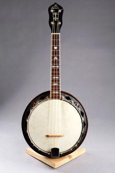 Banjo Ukulele, Guitar, Banjos, Mandolin, Music Instruments, Musical Instruments, Banjo, Guitars