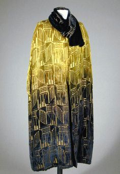 Art Deco Ombre Velvet Cape French, Voided velvet, with geometric design worked in gilt-metal threads, gradually shaded from grass green at top to black at hem. 20s Fashion, Fashion History, Art Deco Fashion, Vintage Fashion, Fashion Design, Elsa Schiaparelli, Belle Epoque, Textiles, Style Année 20