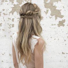 #50in50 || Brides by Vanessa Jane || Bridal Hairstyles || Bridal Musings Wedding Blog 10