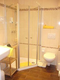 Hotels, Toilet, Bathtub, Bathroom, Double Room, Standing Bath, Washroom, Flush Toilet, Bathtubs