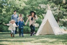 modern family photography - group photos - family pose - family of five  - family pictures - siblings - kids running - pictures of siblings - boho family photos - Kirkwood MO Family Session - St. Louis Lifestyle Photographer — Charis Rowland Photography #teepee #bohemian