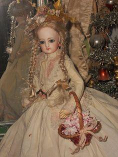 Pretty Petite French Poupee size 0 in Original Costume - WhenDreamsComeTrue #dollshopsunited