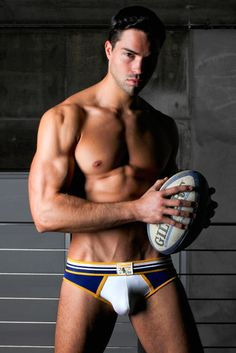 Timoteo underwear Rugby super low brief. Ball, peaks, abs and model unfortunately not included ;)