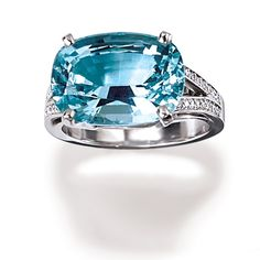 Aquamarine is a pale blue coloured gemstone and is associated with foresight, knowledge and inspiration. Aquamarine's soothing blue colour is believed to bring mental clarity and releases negative energy from the wearer. Aquamarine brings courage, creativity, perception, hope and self-expression.