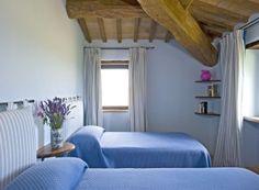 Villa Sangallo || www.casalio.com || Italy, Umria, Pierantonio, 10-18 persons, pool || An elegant luxury villa, set up in the Umbrian hills, offering a peaceful atmosphere, breathtaking views and surely one of the most relaxing atmospheres in Umbria. #umbriavillas #umbrienvillen #italyvillas #Italianvillas #italianvillasforrent #umbriavillasforrent #umbriaholidayhomes #umbriavillaswithpool #vacation #italytravel #urlaub  #honeymoon #familytravel #italytravel #villasforrent #luxuryvilla