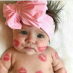 Omgggg how kissable is this little cutie?? regram from @discovertoearth #yougogirl #babygirl #cutestbabies #momlife #mommyblogger #adorable #sweetness #kisses #momresourceca