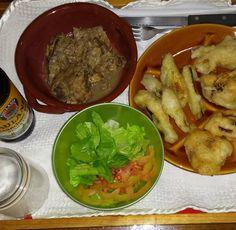 Carciofi  zucchine e cipolle in pastella abbacchio alla cacciatora e insalata! Si cena #kialacamper #kialaathome #batteredvegetables #healthy #love #dinner #homemade #verdurepastellate #instafood #eat #friedvegetables #food #salad #greensalad #foodporn #yummy #healthyfood #healthyeating #lamb #delicious