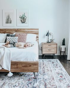 Mid-century bedroom, boho, neutral - Home Decor ideas Vintage Bedroom Decor, Home Decor Bedroom, Bedroom Furniture, Home Furniture, Office Furniture, Modern Furniture, Luxury Furniture, Furniture Removal, Furniture Layout