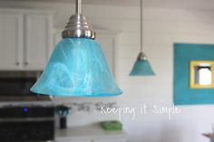 Love turquoise pendant lights but don& want to pay a fortune for them? You can dye your light shades to the perfect color! Fire Pit Bench, Fire Pit Seating, Diy Fire Pit, Fire Pit Backyard, Fire Pits, Diy Outdoor Fireplace, Diy Fireplace, Blue Pendant Light, Turquoise Pendant