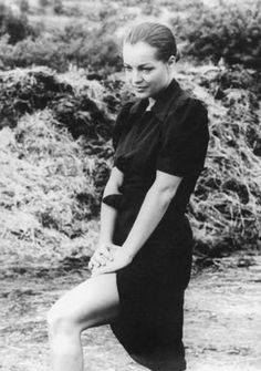 Oh So Lovely VintageRomy Schneider on set of Le Train, 1973 Romy Schneider, Sissi, Paris, Teresa Wright, Etat Civil, Muse, Film Le, Le Talent, Olivia De Havilland