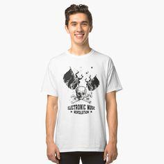 Electronic Music ☆ ELECTRO Music Revolution Classic T-Shirt ☆ T-Shirt ☆ Electronic Music Revolution ☆ Die Electronic Music vereint die Generationen   und verbindet die Menschen über Grenzen hinweg.   Mit diesem Motiv kannst du zeigen, das Musik dein Leben ist.