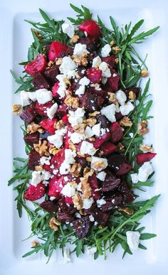 Salads You'll Actually Want To Eat Roasted Beetroot, Goat Cheese, and Walnut Salad. Winter salad recipes that are delicious for Christmas dinner!Roasted Beetroot, Goat Cheese, and Walnut Salad. Winter salad recipes that are delicious for Christmas dinner! Winter Salad Recipes, Christmas Salad Recipes, Christmas Lunch Ideas, Beetroot Recipes Salad, Christmas Recipes Dinner Main Courses, Christmas Side, Christmas Dinner Menu, Christmas Ham, Beetroot Feta Salad
