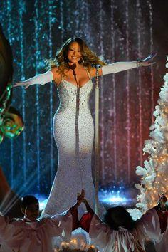Mariah Carey canta em show de Natal em Nova York