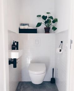 8 Inspiring Guest Toilet Design Ideas To maximize Small Space Neutral-guest-toilet - A guest toilet is usually in a small space. However, it doesn't mean to look monotonous. There some elements inside merely vanity with sink, toilet, and s Small Toilet Room, Guest Toilet, Downstairs Toilet, Small Toilet Design, Bad Inspiration, Bathroom Inspiration, Bathroom Ideas, Bathroom Inspo, Bathroom Remodeling