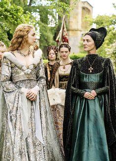 """Jodie Comer & Michelle Fairley in 'The White Princess' (2017). x """