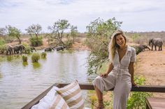What to Wear on Safari in South Africa – The Road Les Traveled – travel outfit summer Safari Outfits, Safari Clothes, Africa Safari Lodge, Trendy Summer Outfits, Summer Ootd, Casual Outfits, Minimalist Fashion Summer, Travel Outfit Summer, Travel Outfits