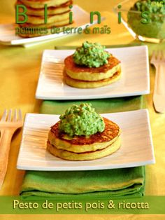 Alter Gusto   Blinis de pommes de terre à la farine de maïs & pesto de petits pois à la ricotta - Pour une douzaine de mini-blinis : - 160 gr de pommes de terre cuites - 10 cl de lait - 1 oeuf - 40 gr de farine de maïs* - 1 c à c de poudre à lever - 130 gr de petits pois surgelés - 50 gr de ricotta - 25 gr de parmesan râpé - 1 gousse d'ail - 1 c à s de coriandre - 25 gr de pistaches mondées - 2 c à s d'huile d'olive