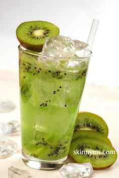 Here are plenty of Yummy Flavored Water Recipes like Green Pineapple Water and Kiwi Water #skinnyms #cleaneating #drink #recipes