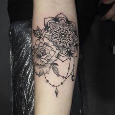 Ritah e le bestemmie parte 2!! E per quest'oggi basta madonne!!! Grazie Giulia per esserti fatta tutti sti km per me!! #HTers #HashTags #amazingink #art #bodyart #chesttattoo #coverup #design #handtattoo #ink #inked #inkedup #instaart #instagood #instatattoo #photooftheday #sleevetattoo #tat #tats #tatted #tattedup #tattoist #tattoo #tattooed #tattoos #tatts #blacktattoo #mandalatattoo