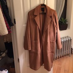 Forever 21 Camel Coat Trendy camel coat, perfect for winter! Never worn, new with tags. Forever 21 Jackets & Coats