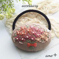 【展示品】親しみある花束   刺繍ヘアゴム