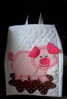 LIXEIRA DE CARRO Applique Patterns, Applique Quilts, Applique Designs, Embroidery Applique, Pig Crafts, Crafts To Make, Sewing Crafts, Sewing Projects, Hobbies And Crafts