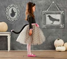 Kitty cat Halloween outfit idea and 14 other DIY halloween costume ideas for kids on www.moralfibres.co.uk