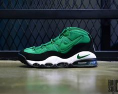 huge discount a7c5c bbeb5 Nike Air Max Tempo Red Green Blue. Green! Kicks Shoes, Nike Kicks,