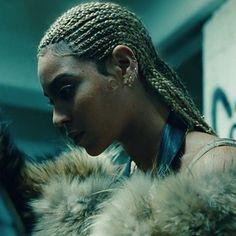 43 ideas for braids beyonce lemonade Destiny's Child, Shakira, Box Braids Hairstyles, Cool Hairstyles, Beyonce Hairstyles, Dreadlock Hairstyles, Natural Hairstyles, Hairstyle Ideas, Lady Gaga