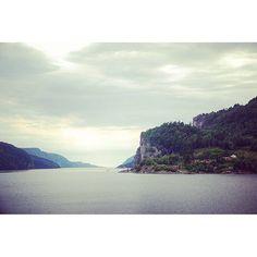 #Norway #morning  #norwayremembers #instanorway #sea #secure #seabirds #instabelarus #lanscape #nature #instagood #view #vacation #bay #norwaybay #photooftheday #bestoftheday #myphoto #sky #colorful