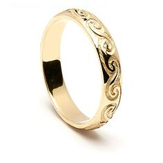 This elegant wedding ring shows the true beauty of the ancient Celtic spiral design, with all that it represents. It can be the symbol of life, or mean the energy and rhythm of the universe. Choose from rich yellow gold, cool white gold, or the luxury of platinum. Whichever you choose your Celtic wedding band will be hallmarked with the sign of Dublin Castle, your assurance of quality.  Darcy can be a given name and also a surname, meaning dark haired. The mens ring is named Cronan…