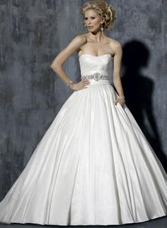 Used Maggie Sottero Rachael wedding dress has pockets!
