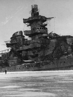 The remains of the decommissioned German battleship Gneisenau, after being sunk as a blockship in the Polish port of Gotenhafen. Notice her missing main turrets and armament, which was removed after decommissioning and send to reinforce the Atlantik Wall. Abandoned Ships, Abandoned Places, Naval History, Military History, Heavy Cruiser, Armada, Navy Ships, Aircraft Carrier, Royal Navy