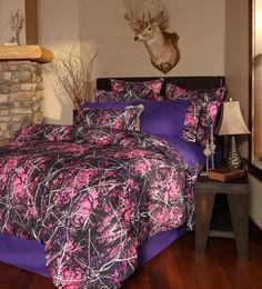 Features:  -Twin set includes 1 comforter, 1 bed skirt and 1 pillow sham.  -Queen/king includes 1 comforter, 1 bed skirt and 2 pillow shams.  -Muddy Girl collection.  Product Type: -Comforter/Comforte