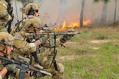 Special Forces Gear, Military Special Forces, Military Police, Military Weapons, Military Aircraft, Us Ranger, Us Army Rangers, 75th Ranger Regiment, Military Pictures