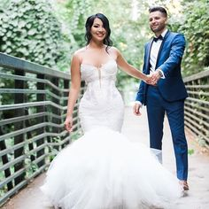 How lovely does our lovely #PninaBride @evettexo look ? : @mrmrsphotography