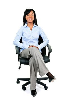 "O's fashion handbook recommends: ""Take the sit-down test."" An outfit may look great when you're standing up, but what does it look like (or reveal?) when you're seated in front of an employer? Job Test, Interview Dress, Professional Wardrobe, Career Wear, Dress For Success, Dress To Impress, Work Wear, Looks Great, What To Wear"