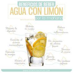 Beber agua con limón por la mañana te da más energía que el café y tiene muchos más beneficios.