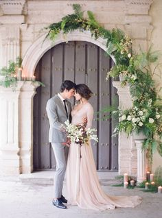 Green fern wedding ceremony ideas by Sarah Winward. Photo: Jose Villa