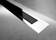 Modulo Design Z-4 Chrome Black Glass de Easy Drain | Linear drains