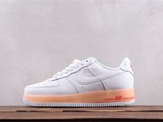 For The Ladies: Nike WMNS Air Force 1 Upstep Barely Grey