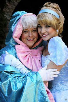 Cinderella and Fairy Godmother disney princess Disney Cosplay, Cinderella Cosplay, Disney Costumes, Halloween Costumes, Disney Nerd, Disney Love, Disney Magic, Disney Travel, Robes Disney