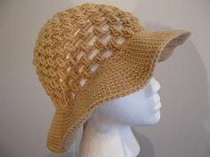 Floppy sun Hat - free crochet pattern.  I'm making something like this for my Halloween costume this year.