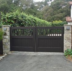 Driveway gate would be nice - with an intercom system & camera Cheap Driveway Gates, Driveway Fence, Driveway Entrance, Brick Fence, Front Yard Fence, Front Gates, Fence Gate, Entrance Gates, Fences
